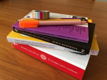 bilingual bilingualism espanolita Spanish español language linguistics reading books