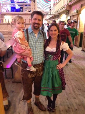 bilingual parenting bilingualism espanolita english spanish germany oktoberfest